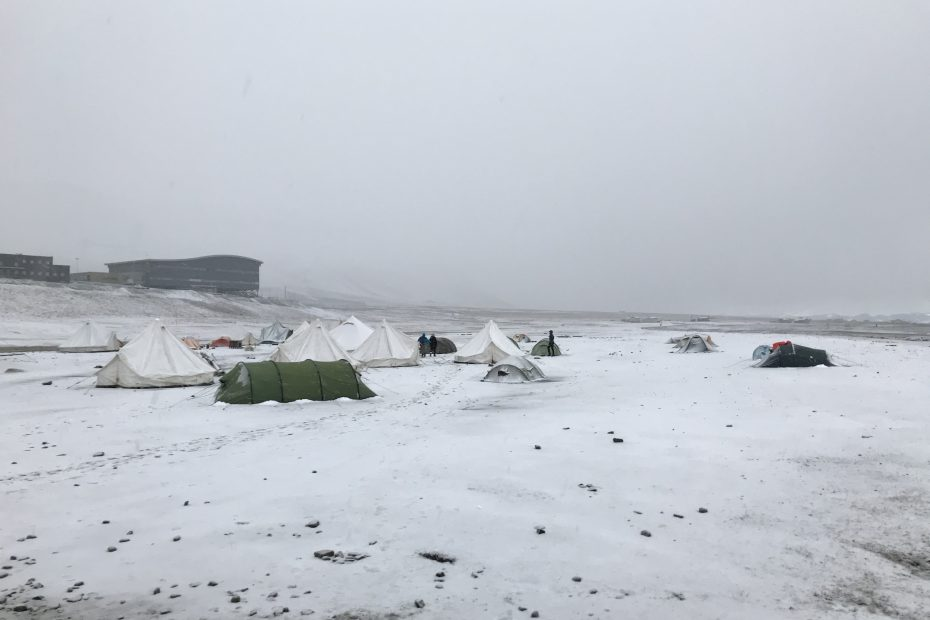 Snow at the campsite in Longyearbyen at the beginning of September.